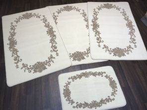 ROMANY GYPSY WASHABLES  2019 SETS OF 4 MATS CREAM-BEIGE NON SLIP ROSES DESIGN